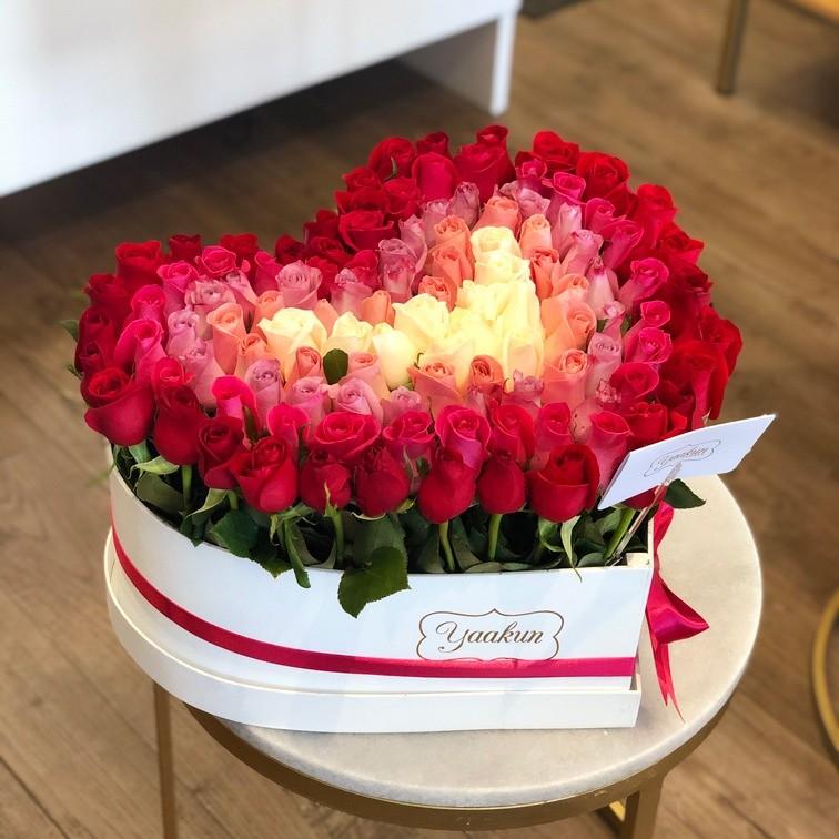 100 rosas degrade en caja corazón amor jardín