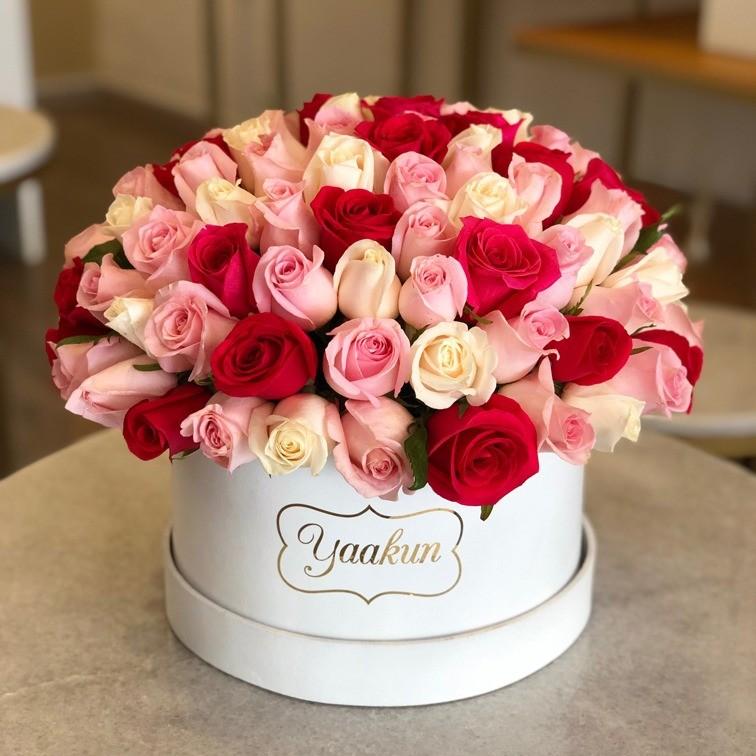 125 rosas en caja esfera
