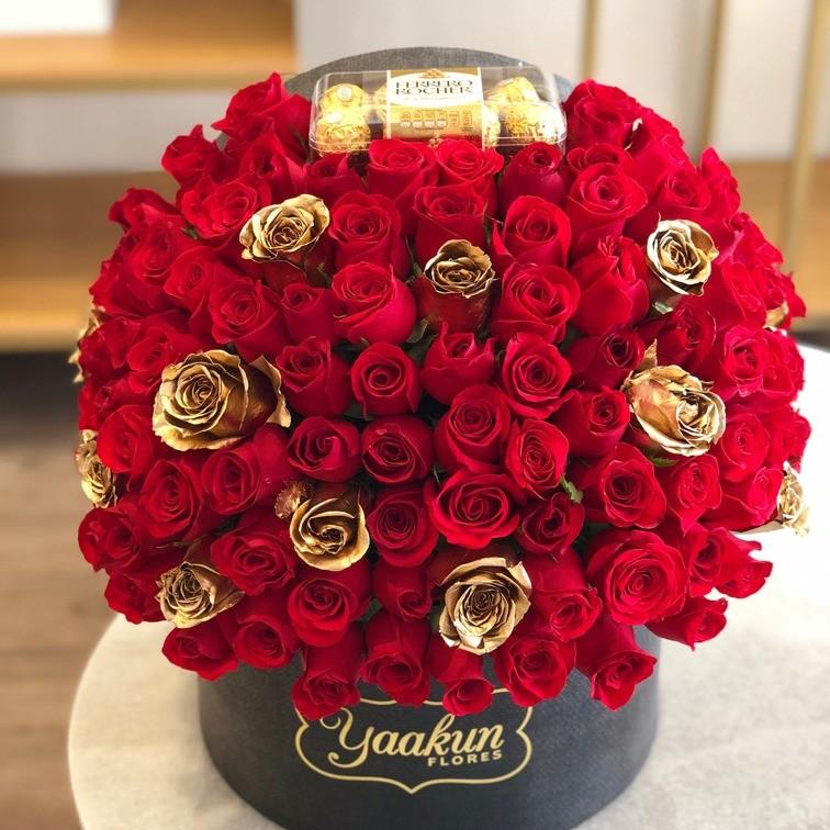 140 rosas rojas en caja especial ferrero