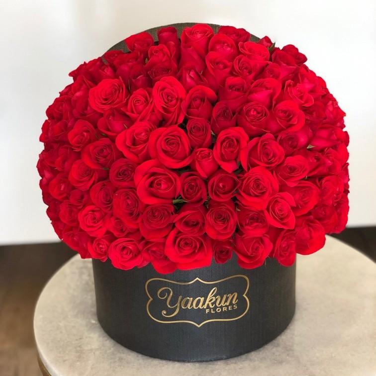 150 rosas en caja redonda especial amor