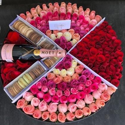 180 rosas en caja redonda y botella botón maxi rose glam&love