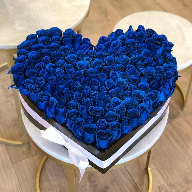 200 rosas en caja corazón amor grande azul