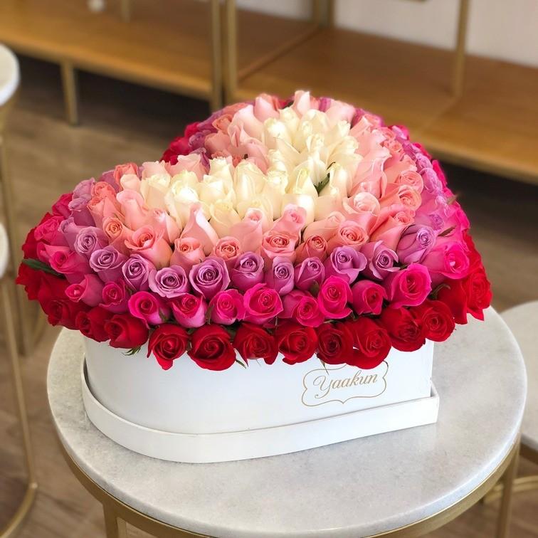 225 rosas en caja corazón grande degrade