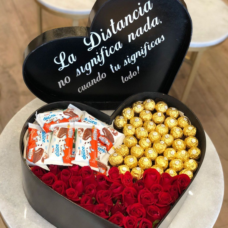 25 rosas rojas en caja corazón amor ferrero delice con tapa