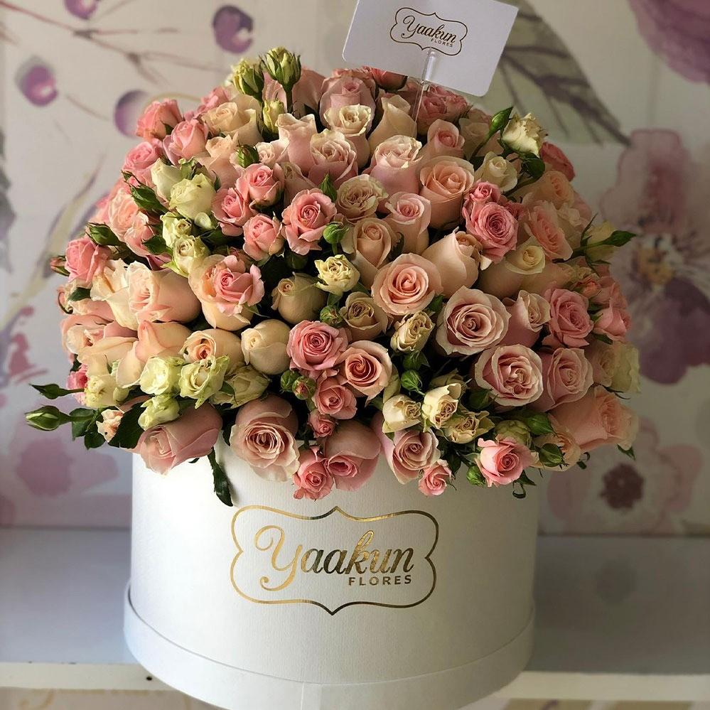 250 rosas en caja redonda tierno sentimiento