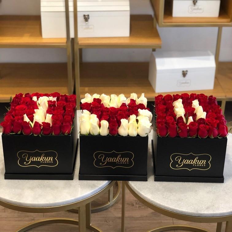 3 cajas de 49 rosas  c/u yaakuni love u