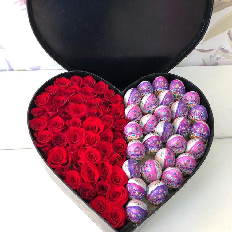 50 rosas rojas en caja corazón amor kinder con tapa