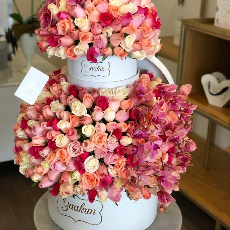 500 rosas tonos pastel & orquídeas en doble caja circular