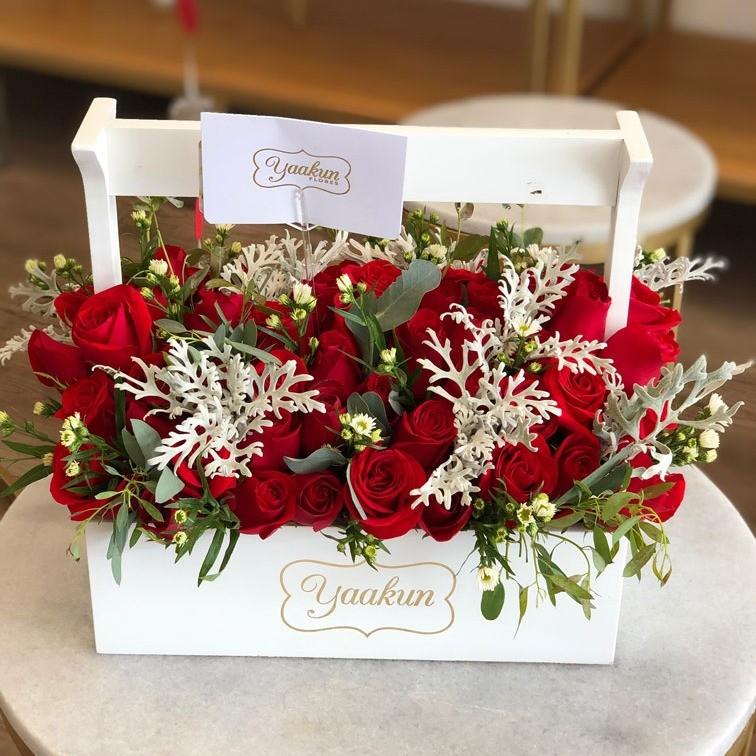 75 rosas y follajeen caja jardinera rosas & miller