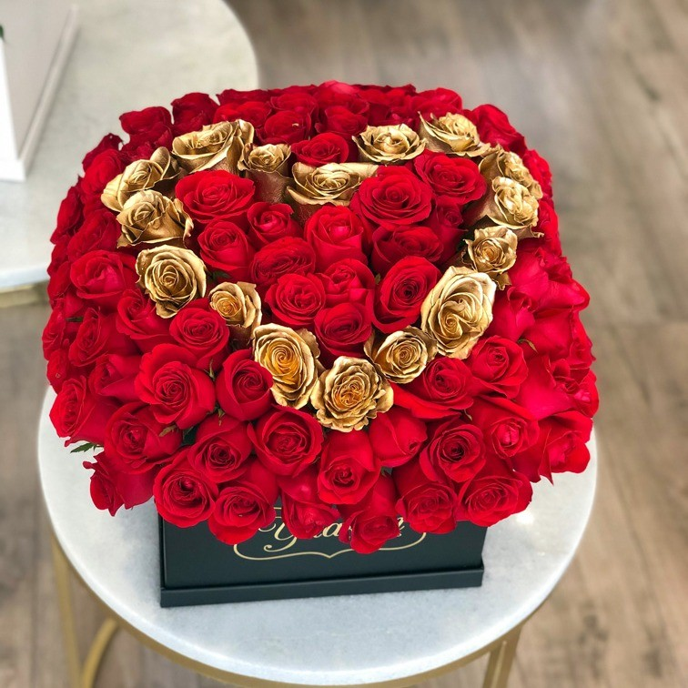 80 rosas rojas botón en caja negra yaakun red &golden love