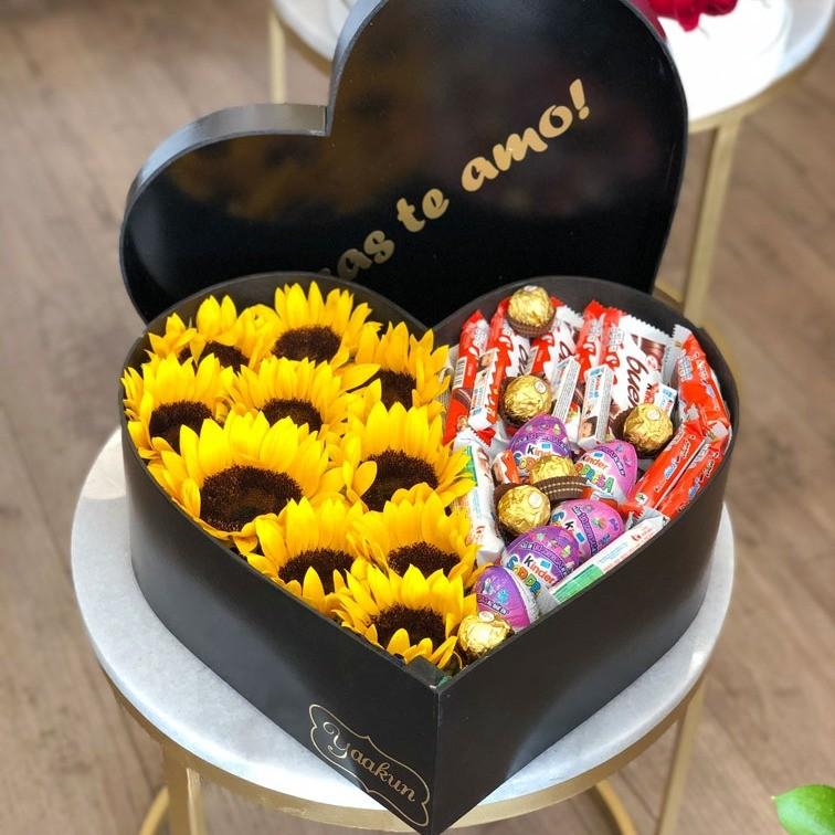 Caja corazón kinder con girasoles