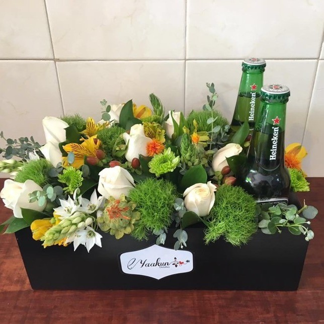 Caja yaakun con cerveza