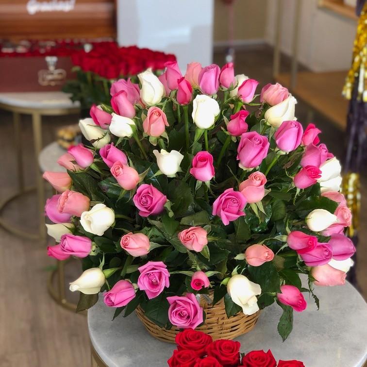 Canasta de 100 rosas esfera color