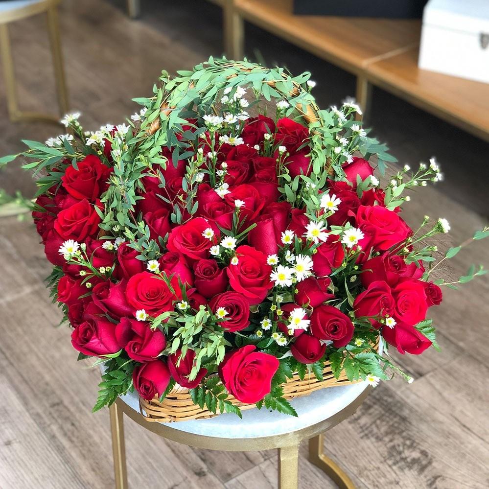 Canasta de 100 rosas & guny amor mio