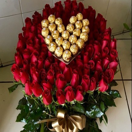 Canasta de rosas altas dulce jardín