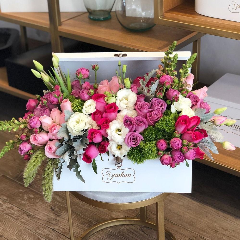 Cofre con flores finas