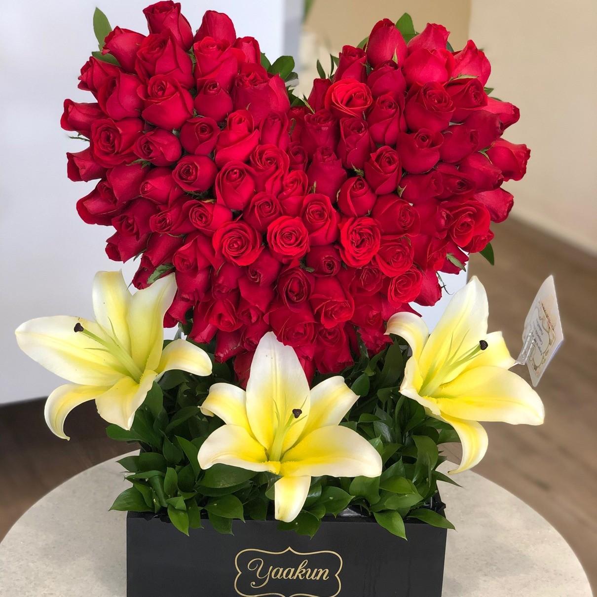 CorazÓn de 100 rosas flores & concador