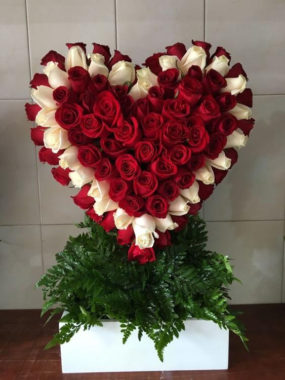 Corazón De 100 Rosas Caja Blanca Corazón Contorno Blanco Yaakun Flores