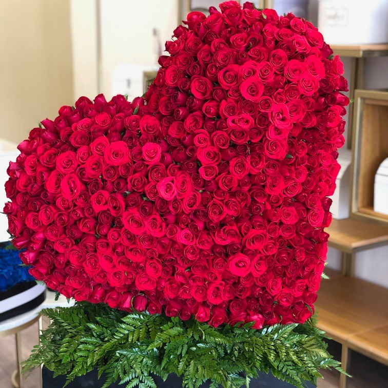 CorazÓn de400 rosas corazÓn rojo inclinado