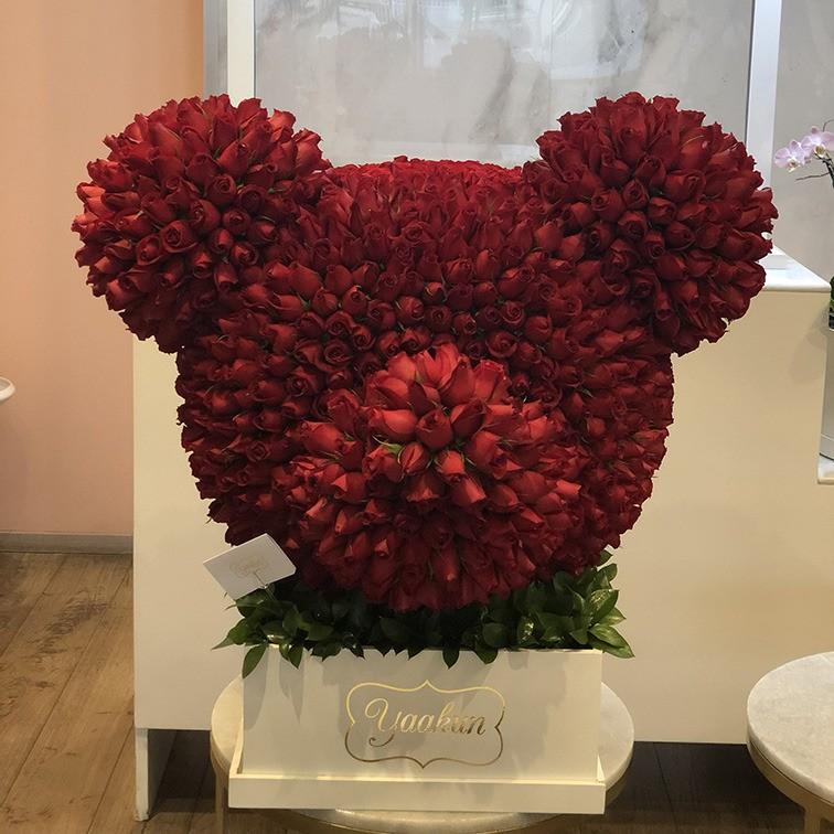 Escultura cabeza de mickey de 1000 rosas rojas