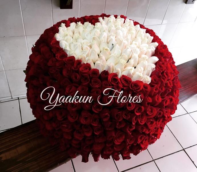 Canasta De 500 Rosas Maxi Esfera Mi Amor Yaakun Flores