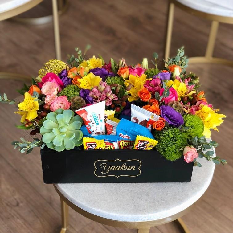 Flores &dulces en caja mini yaakun rico delice