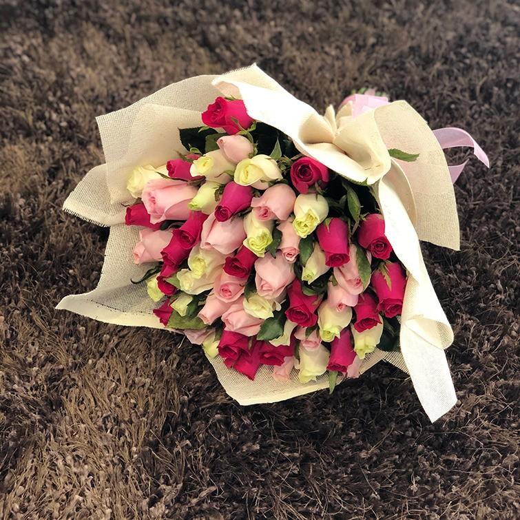 Ramo de 75 rosas trio color