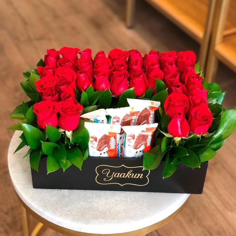 Rosas & chocolates en caja mini yaakun delice