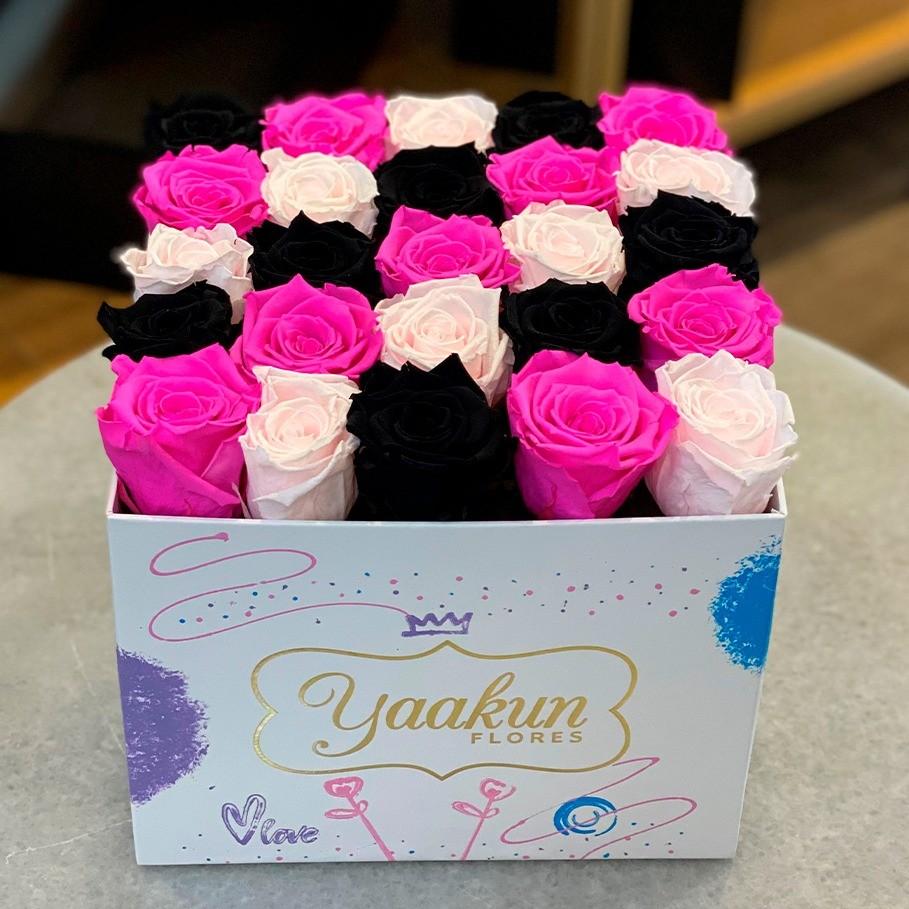 Rosas eternas en caja cuadrada edición especial deseo