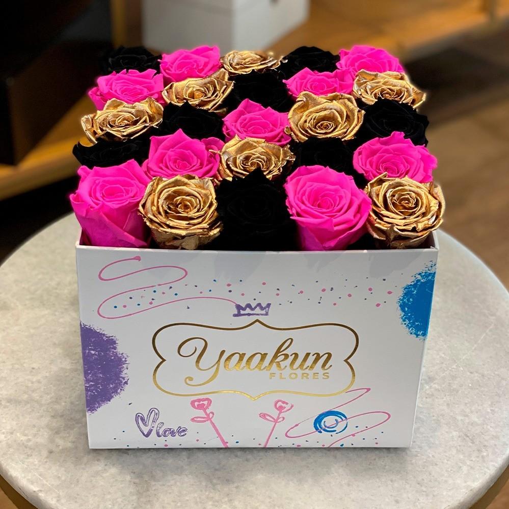 Rosas eternas en caja cuadrada edición especial fuchsia, gold and black
