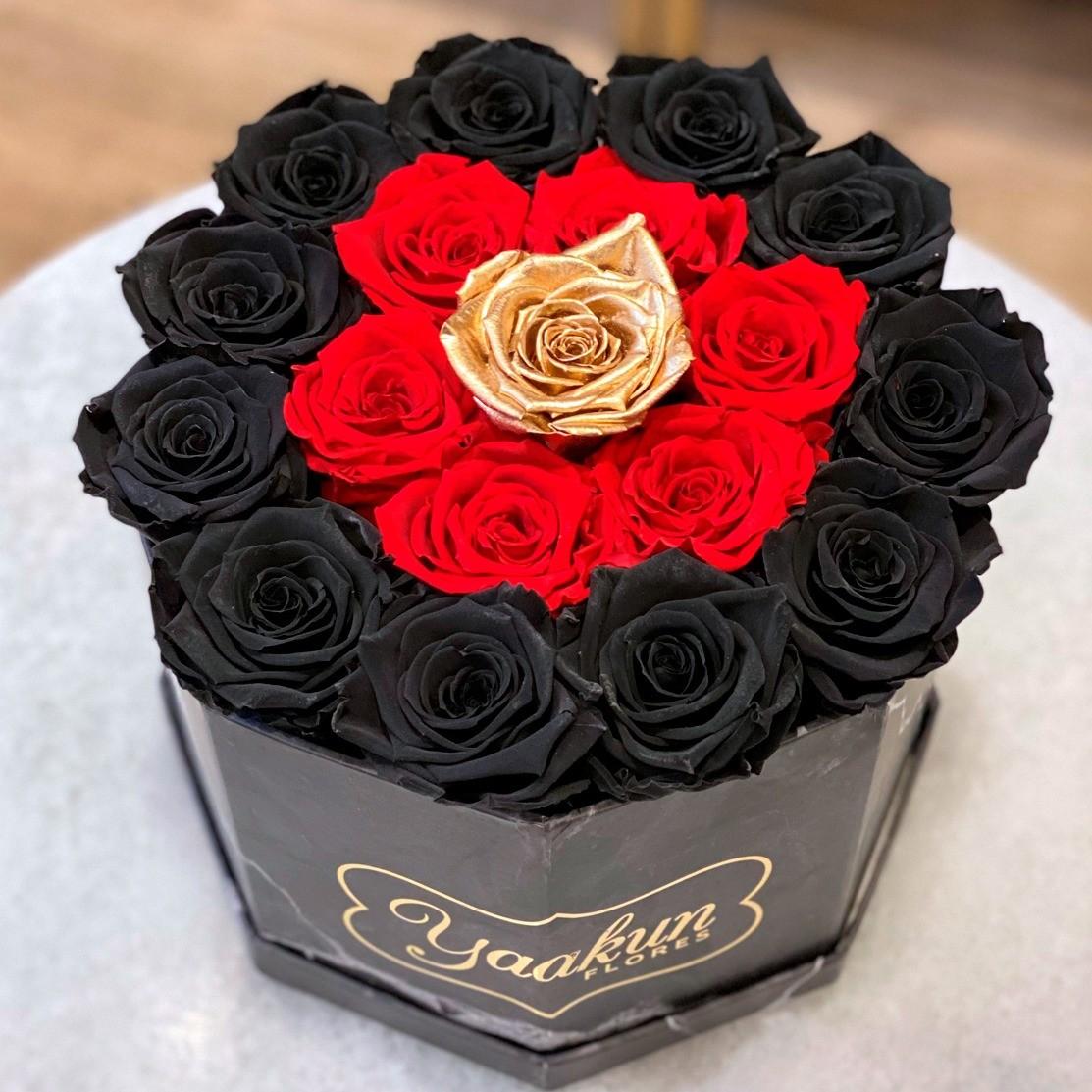 Rosas eternas en caja cuadrada octagonal black, red and gold