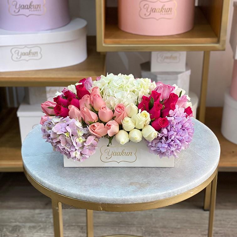 Rosas & hortensias en caja mini yaakun hortensia